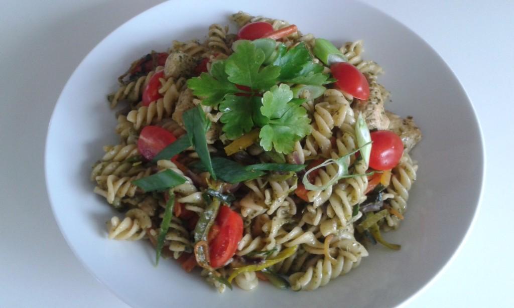 pasta met kip en pesto